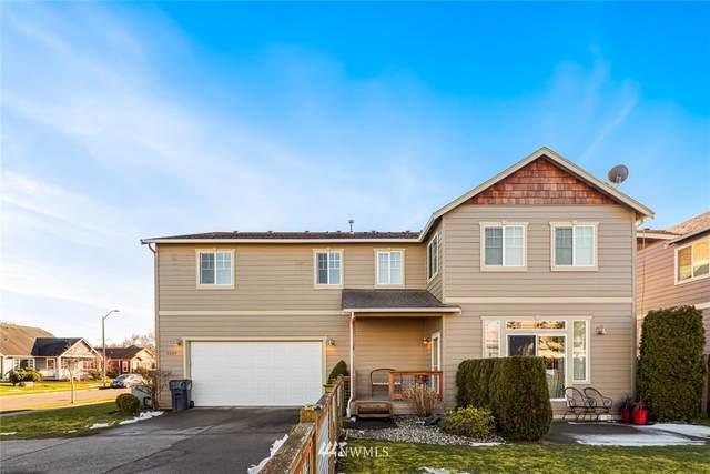 2229 Cherry Street, Lynden, WA 98264 (MLS #1736768) :: Brantley Christianson Real Estate