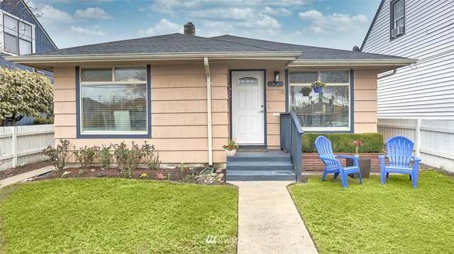 306 Meadow Avenue N, Renton, WA 98057 (#1736890) :: Costello Team