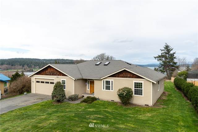 493 Hazelwood Drive, Oak Harbor, WA 98277 (#1737057) :: Canterwood Real Estate Team