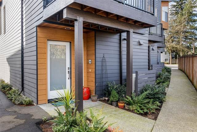 18260 73rd Avenue NE #104, Kenmore, WA 98028 (#1737568) :: Urban Seattle Broker