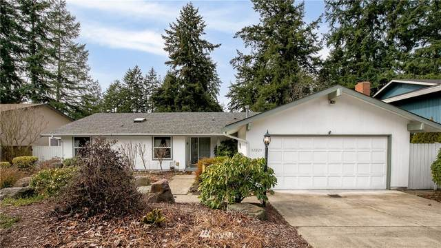 32029 28th Avenue SW, Federal Way, WA 98023 (#1737661) :: Priority One Realty Inc.
