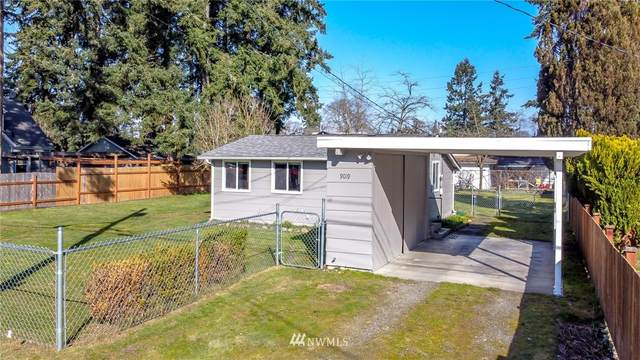 9019 Newgrove Avenue SW, Lakewood, WA 98498 (MLS #1737854) :: Brantley Christianson Real Estate