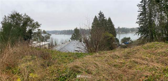 1807 Shorewood Drive, Bremerton, WA 98312 (#1737937) :: The Royston Team