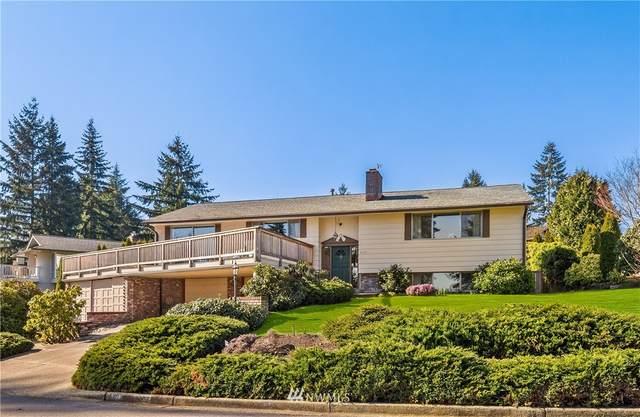 4425 144th Avenue SE, Bellevue, WA 98006 (#1738019) :: Costello Team
