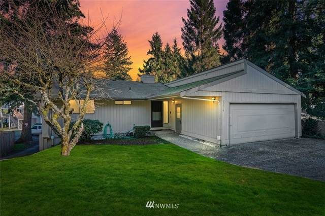 20012 1st Place SW, Normandy Park, WA 98166 (MLS #1738151) :: Brantley Christianson Real Estate