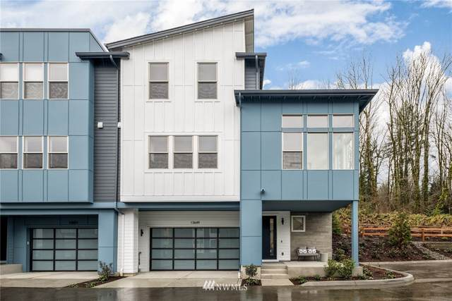 13357 SE 68th Lane 10L-1, Newcastle, WA 98059 (#1739291) :: The Kendra Todd Group at Keller Williams