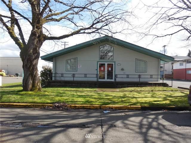 1170 17th Avenue, Longview, WA 98632 (#1739438) :: Costello Team