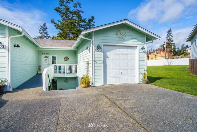 1507 Burrows Court, Anacortes, WA 98221 (#1739617) :: Ben Kinney Real Estate Team