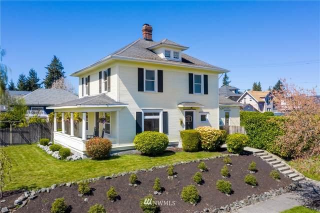 624 S Lawrence Street, Tacoma, WA 98405 (#1740517) :: McAuley Homes
