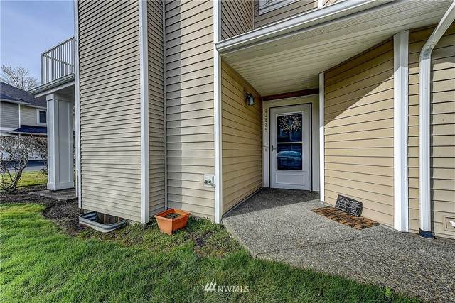 23525 54th Avenue S 4-1, Kent, WA 98032 (#1740929) :: Keller Williams Realty