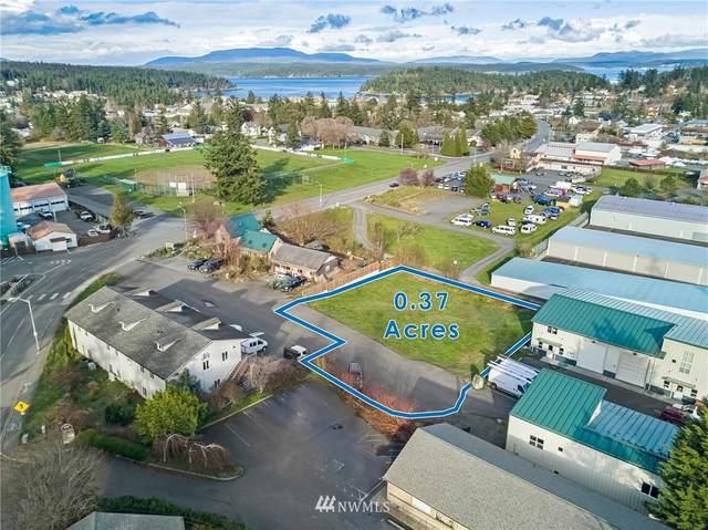 815 Spring Street, San Juan Island, WA 98250 (#1741800) :: Alchemy Real Estate