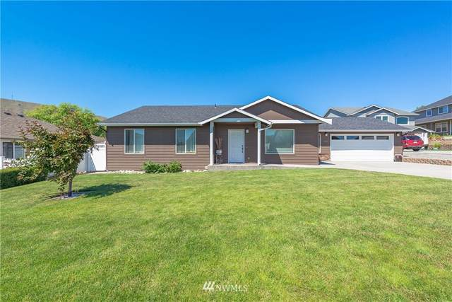 586 S James Avenue, East Wenatchee, WA 98802 (#1742282) :: Simmi Real Estate