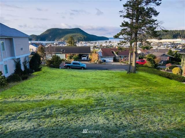5104 Macbeth Drive, Anacortes, WA 98221 (#1742318) :: Ben Kinney Real Estate Team