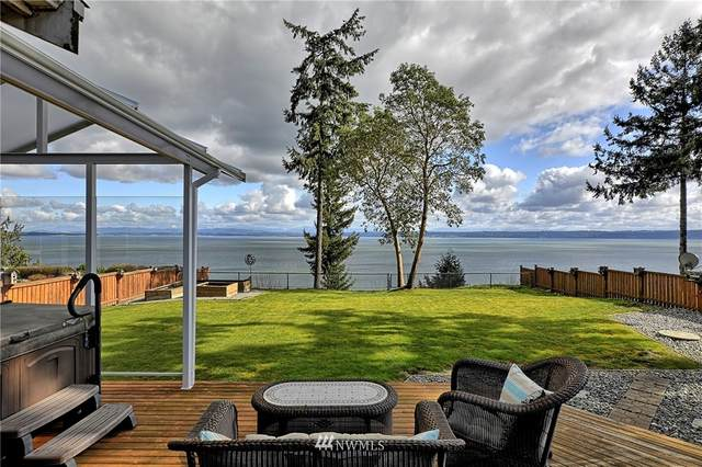1565 Country Club Dr, Camano Island, WA 98282 (#1742431) :: Better Properties Real Estate