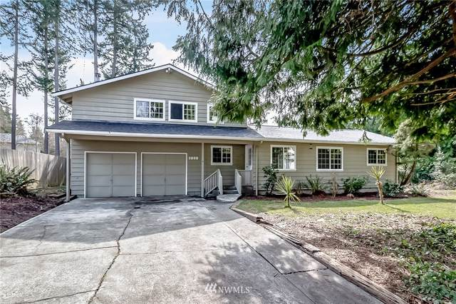 5808 141st Street SW, Edmonds, WA 98026 (MLS #1742643) :: Brantley Christianson Real Estate
