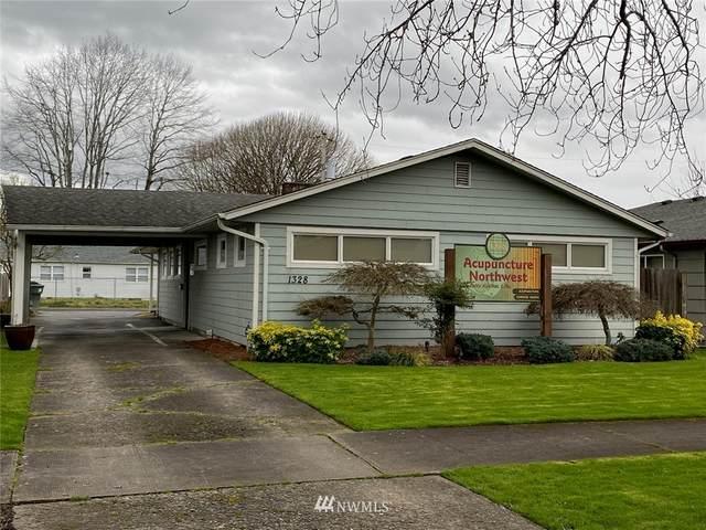 1328 9th Avenue, Longview, WA 98632 (MLS #1742749) :: Brantley Christianson Real Estate