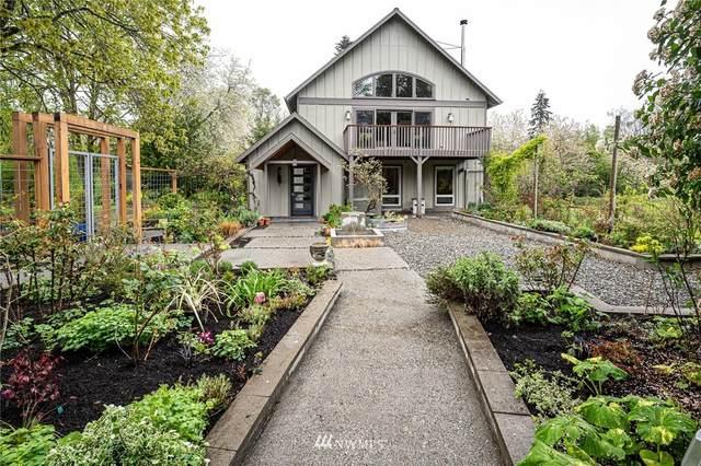 18427 Beall Road SW, Vashon, WA 98070 (#1743951) :: Alchemy Real Estate