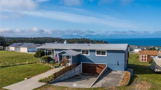 747 La Fiesta Street, Coupeville, WA 98239 (#1744274) :: Better Properties Real Estate