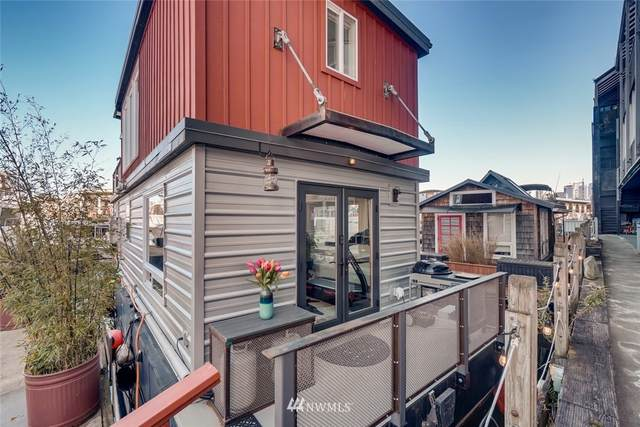 2040 Westlake Avenue N #2, Seattle, WA 98109 (#1746030) :: Northwest Home Team Realty, LLC
