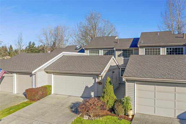 300 145th Place SE, Bellevue, WA 98007 (#1748052) :: Shook Home Group