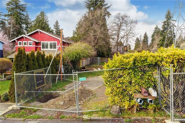 12418 NE 108th Place, Kirkland, WA 98033 (#1748524) :: Ben Kinney Real Estate Team
