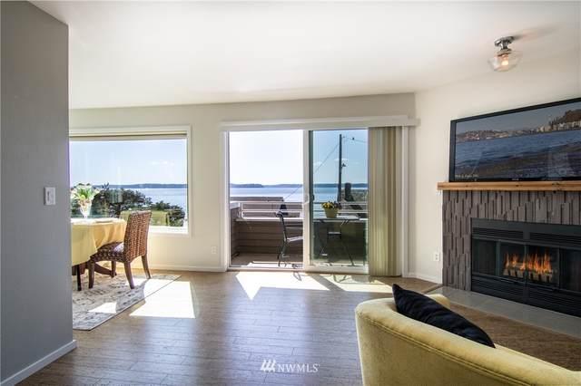 4226 Beach Drive SW #201, Seattle, WA 98116 (#1749828) :: Ben Kinney Real Estate Team
