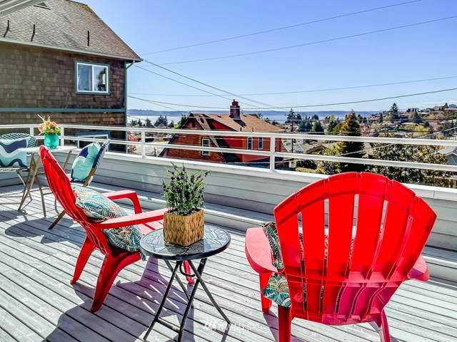 4557 45th Avenue SW #203, Seattle, WA 98116 (#1751563) :: Alchemy Real Estate
