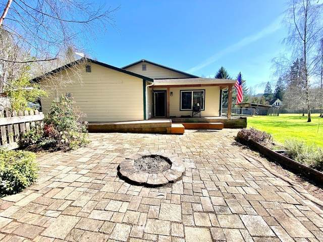 3522 W State Route 4, Grays River, WA 98621 (#1752016) :: Ben Kinney Real Estate Team