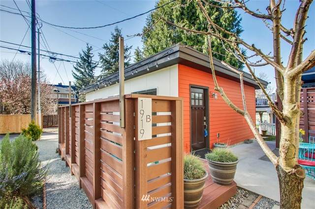 1919 44th Avenue SW B, Seattle, WA 98116 (#1752066) :: Urban Seattle Broker