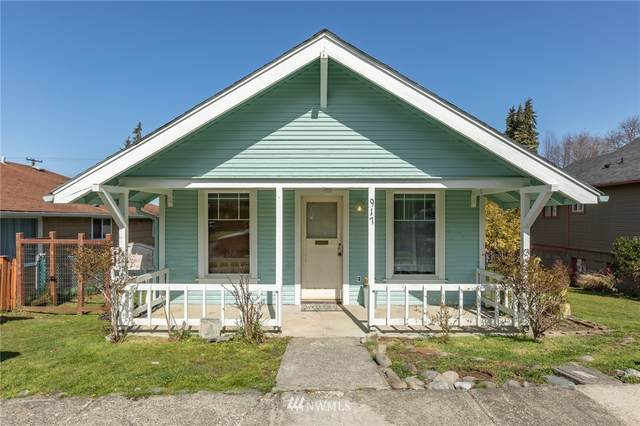 917 E 9th Street, Port Angeles, WA 98362 (MLS #1752333) :: Brantley Christianson Real Estate