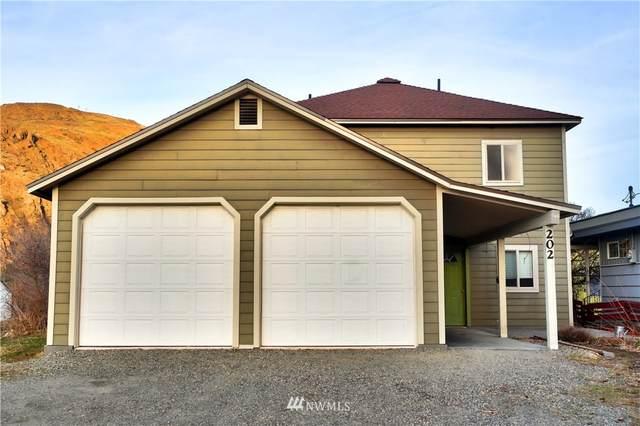 202 Lincoln Street S, Twisp, WA 98856 (MLS #1752495) :: Brantley Christianson Real Estate