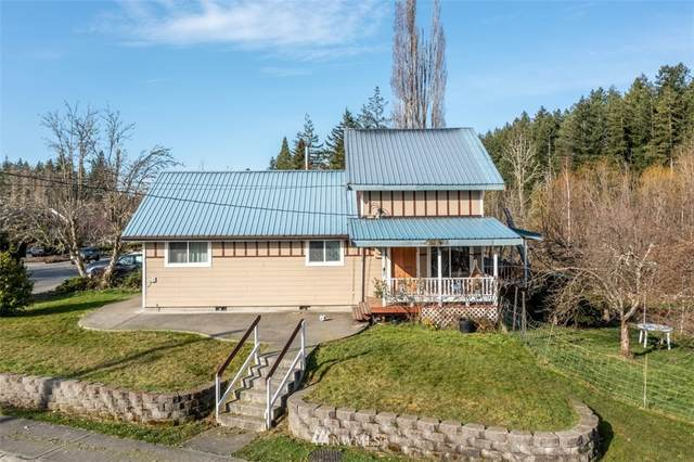 802 W Eatonville Highway, Eatonville, WA 98328 (#1752892) :: Ben Kinney Real Estate Team
