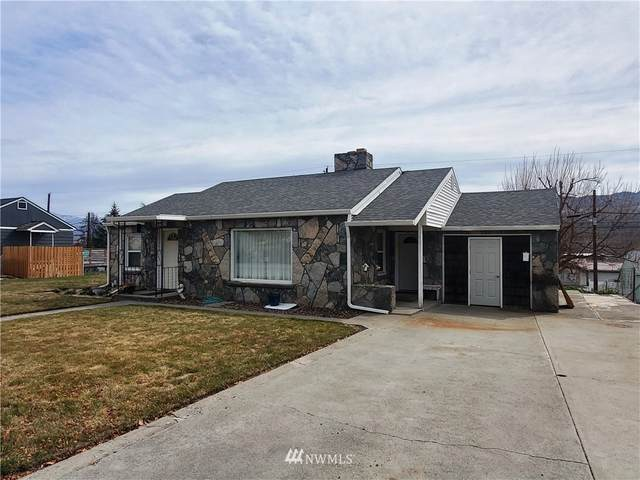 964 4th Avenue N, Okanogan, WA 98840 (#1753071) :: Costello Team