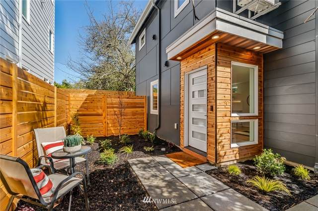 3220 60th Avenue SW, Seattle, WA 98116 (#1753161) :: McAuley Homes