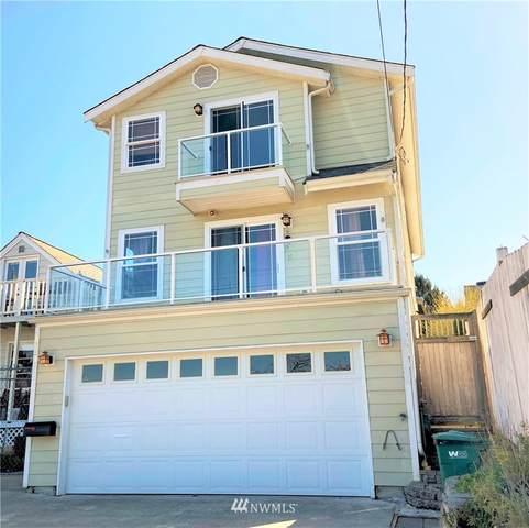 8423 S 113th Street, Seattle, WA 98178 (MLS #1753230) :: Brantley Christianson Real Estate