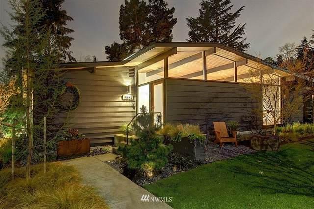 2553 NE 106th Place, Seattle, WA 98125 (#1753763) :: Ben Kinney Real Estate Team