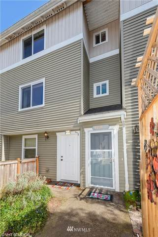 9228 15th Avenue SW B, Seattle, WA 98106 (#1754113) :: Better Properties Real Estate