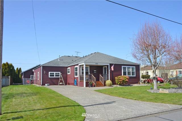 1442 Pioneer Street, Enumclaw, WA 98022 (#1754436) :: M4 Real Estate Group