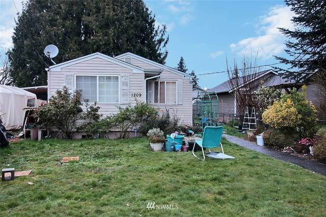 1209 W Main, Puyallup, WA 98371 (#1755165) :: Urban Seattle Broker