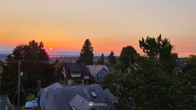 5801 Phinney Avenue N #401, Seattle, WA 98103 (#1755408) :: Costello Team