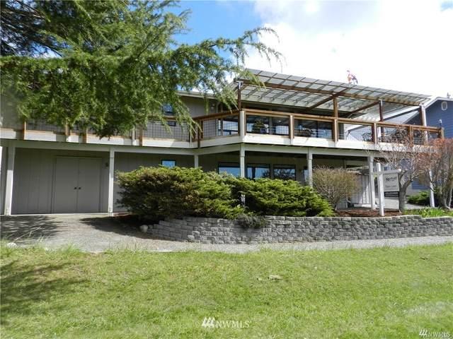 275 Camaloch Drive, Camano Island, WA 98282 (#1756081) :: Ben Kinney Real Estate Team