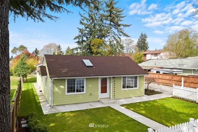10825 26th Avenue SW, Seattle, WA 98146 (#1756753) :: TRI STAR Team | RE/MAX NW