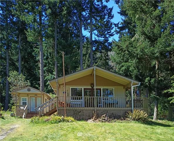 11 Admiralty Drive, Hat Island, WA 98206 (#1756922) :: Northwest Home Team Realty, LLC