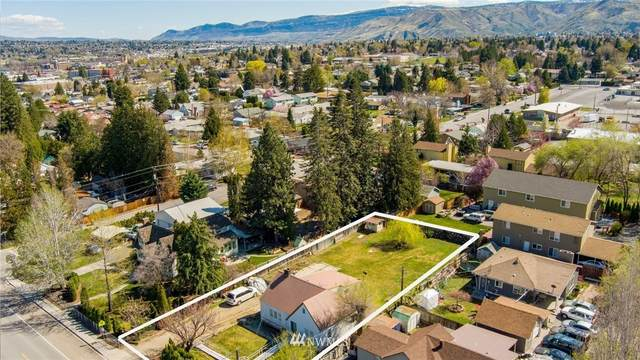 1305 9th Street, Wenatchee, WA 98801 (#1757273) :: Ben Kinney Real Estate Team