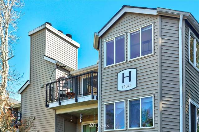 12044 100th Avenue NE H301, Kirkland, WA 98034 (#1757933) :: Shook Home Group
