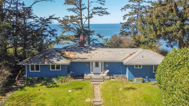 2121 West Beach Road, Oak Harbor, WA 98277 (#1758118) :: Better Homes and Gardens Real Estate McKenzie Group
