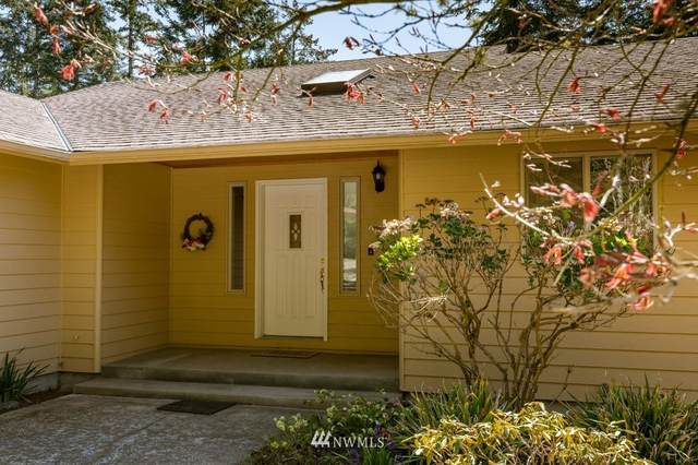 1008 NE Pennington Loop, Coupeville, WA 98239 (#1758140) :: Shook Home Group