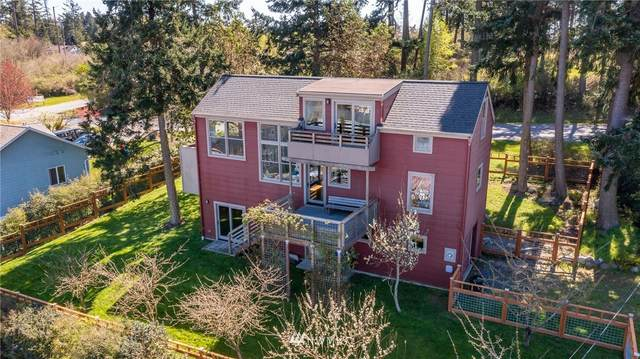 301 Kinney Street, Coupeville, WA 98239 (#1758396) :: Shook Home Group