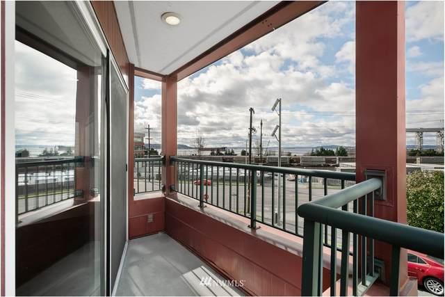 524 6th Avenue W #108, Seattle, WA 98119 (#1758617) :: Urban Seattle Broker