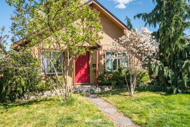 329 Fuller Street, Wenatchee, WA 98801 (#1758806) :: Becky Barrick & Associates, Keller Williams Realty